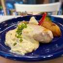 Smoked chicken breast - just a tad dry, but it was saved by the creamy egg and onion mayo generously served alongside it!