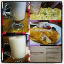 Brunch  #brunch #food #foodporn #sgfood #sgfoodies #burpple #sgcafe #sgcafes #cafehopping #sgcafehopping #sgfoodies #yummy #sgcafefood #cafehoppingsg #sgfoodtrend #mooshibakes #coffee #cafes