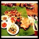 Balinese night #balinesefood #cumicumi #oleolebali #dinner #thursdays #squid best giler👍👍✌✌😋