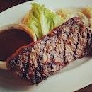 Beef steak #umakemehungry #sgfood #sghawkers #singaporefood #yummy #umakemehungry #yummy #foodphotography #foodie #foodgasm #foodstamping #foodbloggers #foodoftheday #foodporn #foodspotting #instafood #instasg #justeat #openricesg #tradehub #southwesttraven