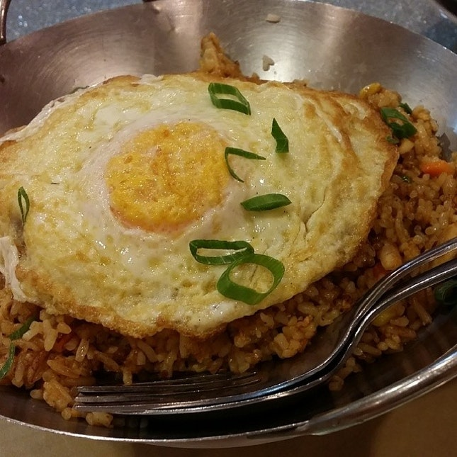 Nasi goreng #perth #Australia #westernaustralia #goreng #umakemehungry #foodgasm #foodphotography #foodbloggers #foodie #followme #foodporn #foodspotting #makanhunt #singaporefood
