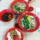 Back to School Taste 😬 Feeling so contented now with pig organ soup from Singapore polytechnic 😍 .