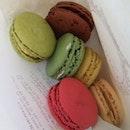 Paris Macaroons ( Pistacio, Vanilla, Citron & Citron.. Yummy