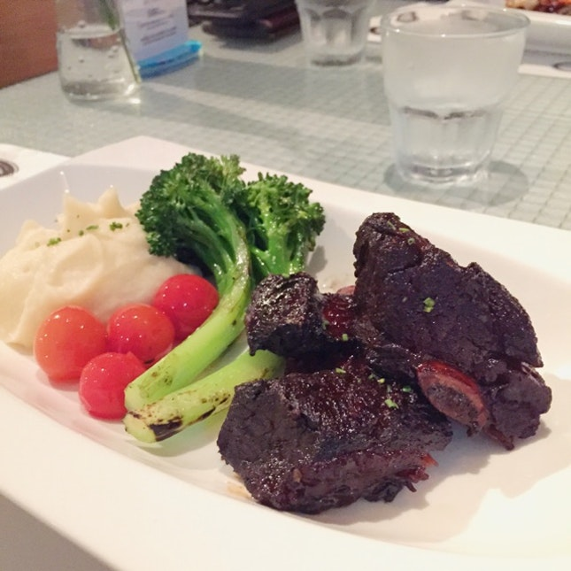 Spicy Kalbi Beef Short Ribs ($36++)