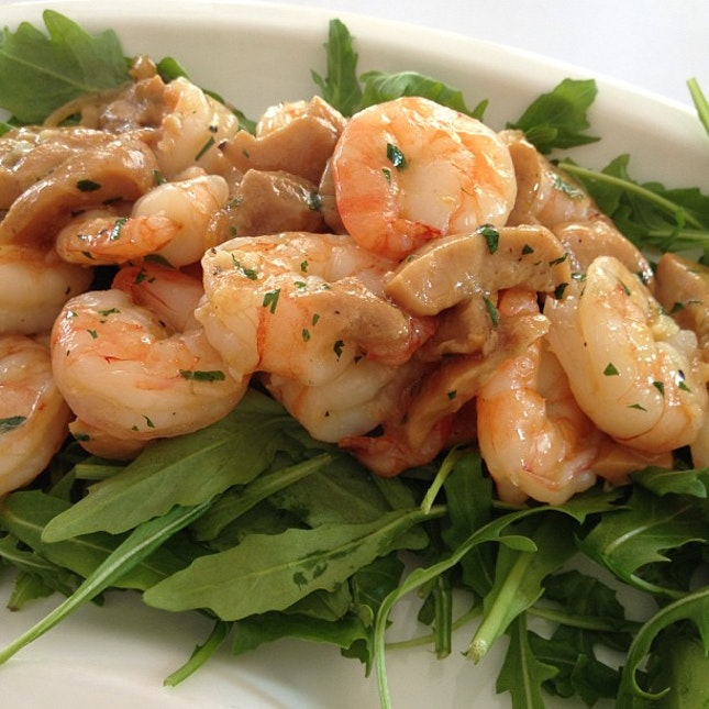Prawns with porcini mushrooms