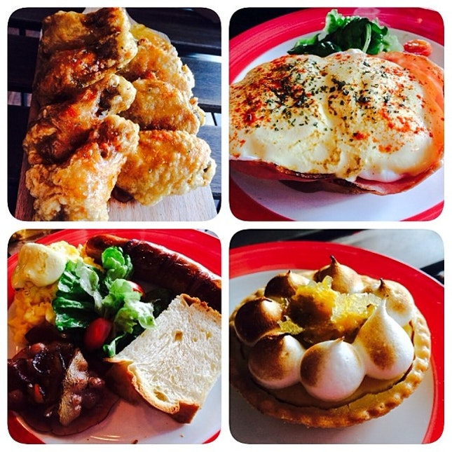 Brunch menu was quite a disappointment but the lemon wings and lemon tarts are pretty good.