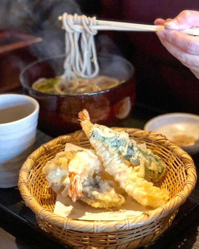 The soba noodles here is great, you can have it hot or cold (we opted for hot cos of the cold weather).