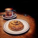 TBB Teh Tarik & Bak Kwa Amann  #tiongbahrubakery#instafood#instapic#foodie#foodporn#foodphotography#throwback#foodstagram#instamood#yummy#burpple#burpplesg#foodgasm#eatoutsg#instaplace