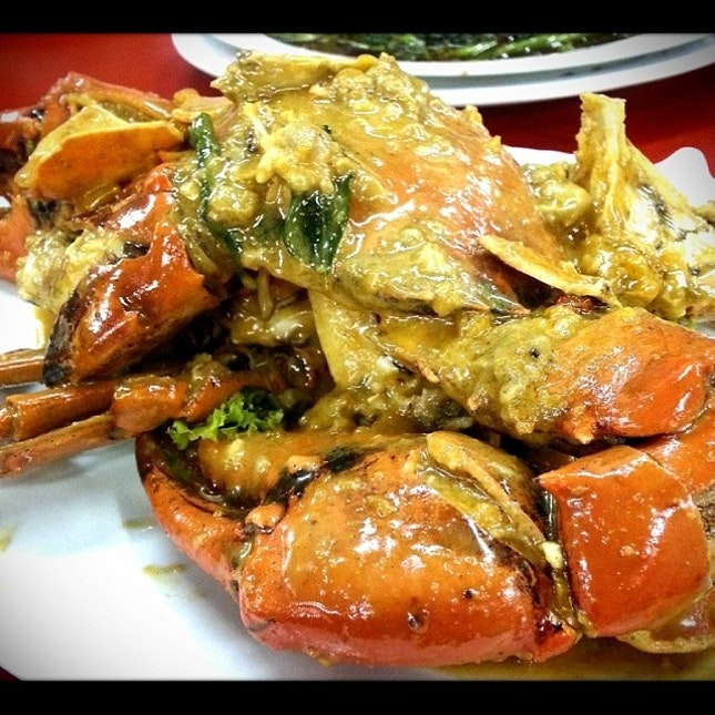 Star of tonight's dinner: Salted Egg Yolk Crab!