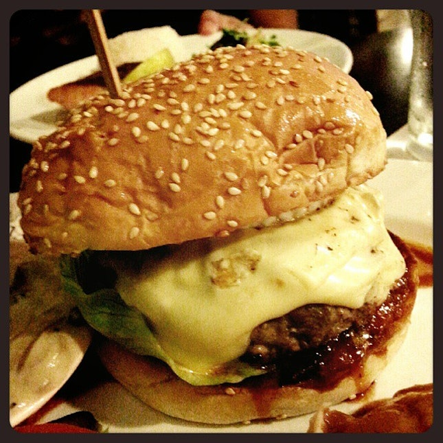 The Picardy Monster Beef Burger for dinner!