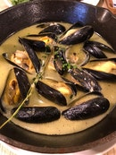 Mussel Pot With French Loaf