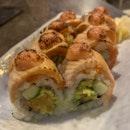 ebi fry salmon aburi roll