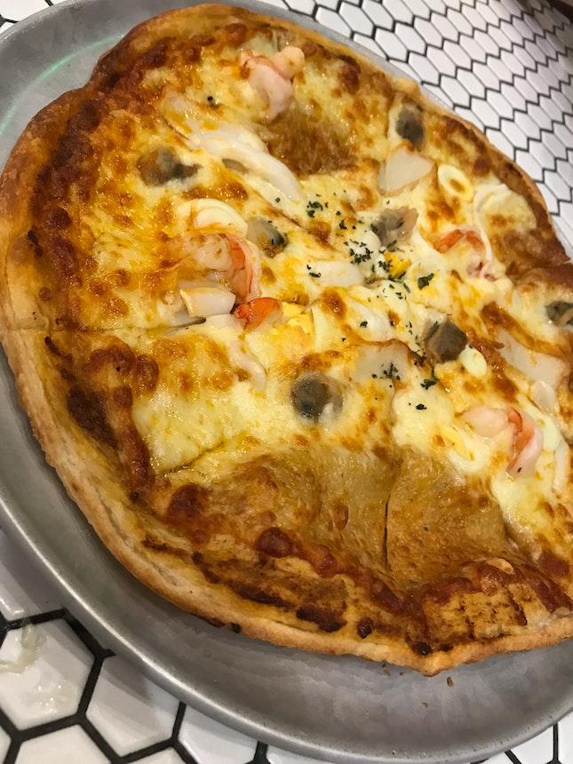 Laksa Pizza ($22++)