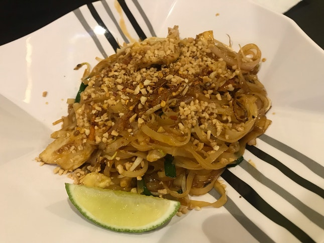 Phad Thai Noodle With Chicken
