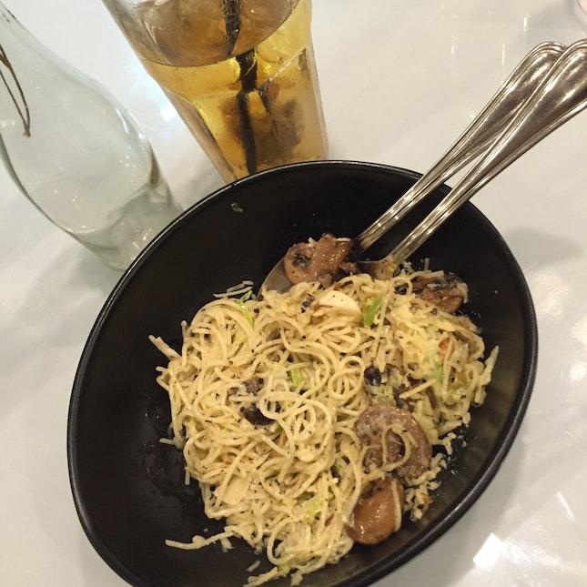 Angel Hair Pasta: Mushrooms & Truffle Oil