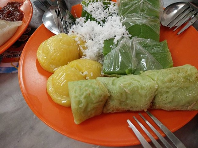 Many Singaporean go JB only Know Kam Long Curry Fish Head , Restaurant Ya Weng All the Place I mention u all can go there for Lunch.