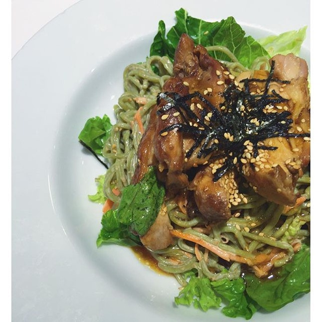 [Bull Run - Soba with teriyaki chicken and salad]  4 more days to non-stop eatin..Eh, I mean Xmas!