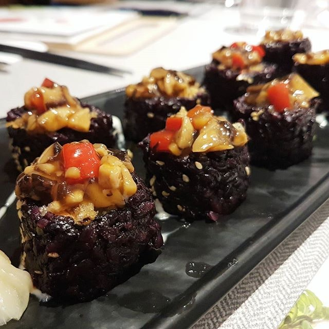 Have some shiitake purple rice sushi roll @elemensg - a popular vegan place.