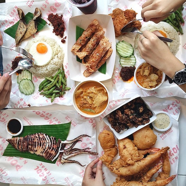 For Famous Nasi Lemak in a Fast Food Setting