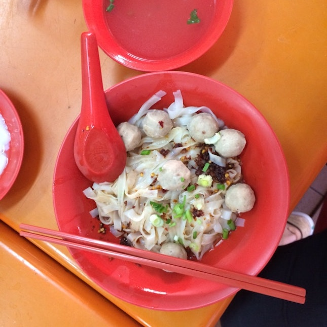 "For A Fishball Noodle Of A ""Singaporean"" Taste In The East (Ubi)"