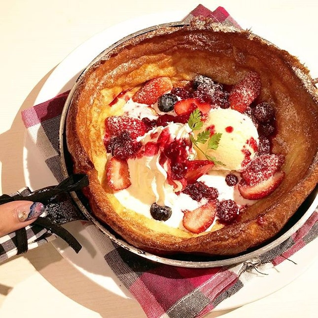 For Sweet and Savoury Pancakes Served in a Pan