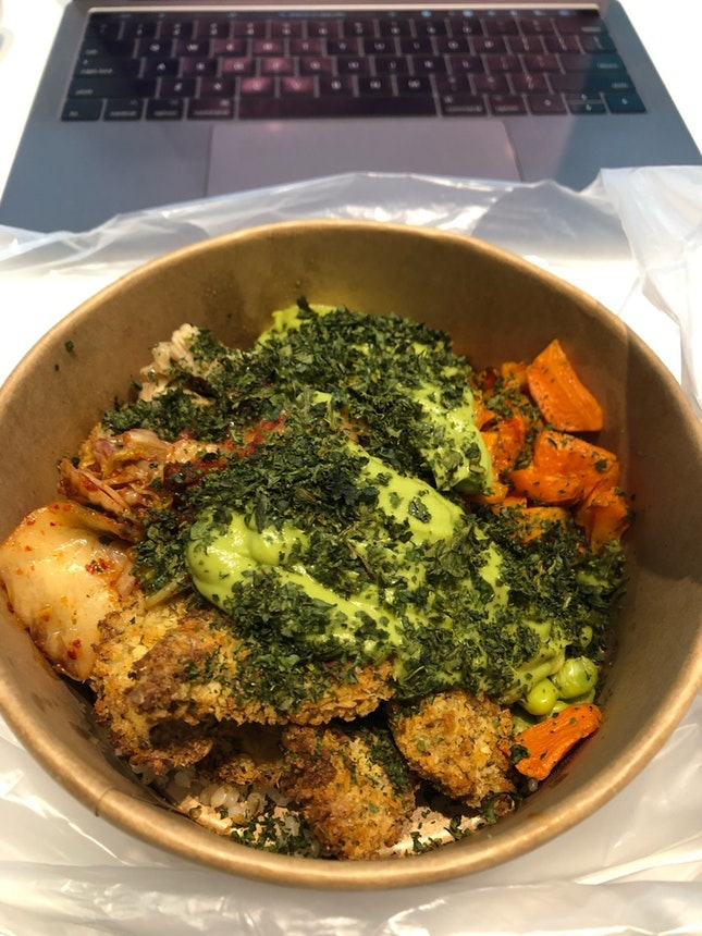 For Delicious Build-Your-Own-Bowls in the CBD