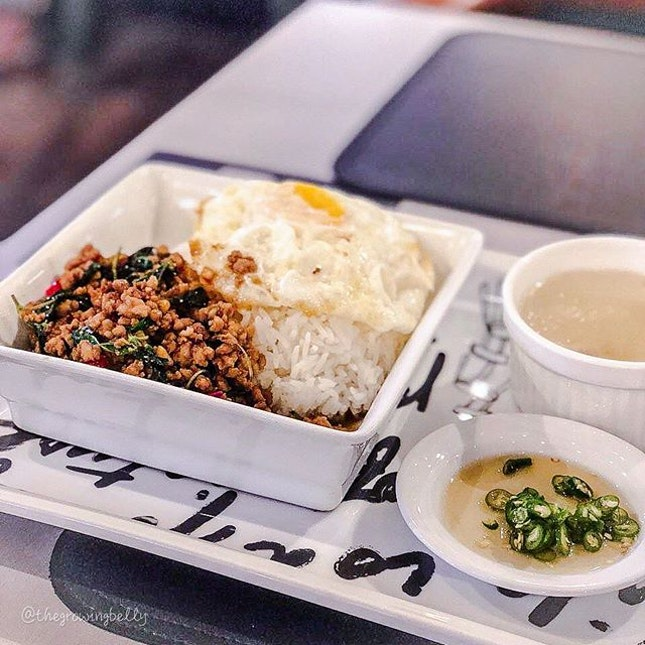 [Greyhound Cafe Singapore] •• Located at Paragon, Greyhound cafe serves all so delicious Thai food, from Thai basil rice, to Tom yum soup and pad Thai.