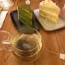 Amazing Cakes with tea
