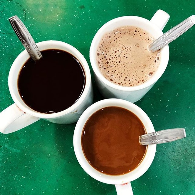 Bonding in sg local style #golocal and customize your coffee, tea or even your milo to your preference.