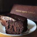 @kenscafetokyo Gateau Chocolat!