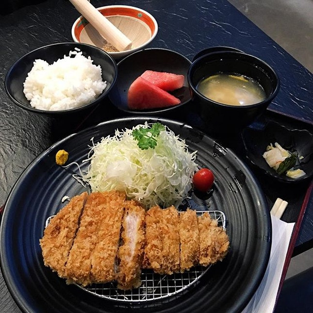 Premium Pork Loin Tonkatsu  The pork loin was crispy and not oily on the outside, tender and juicy on the inside.