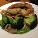 Round 6: King Butter Prawns and Broccoli with Abalone.