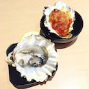 Do you like your #oysters freshly shucked or baked with herb tomato?