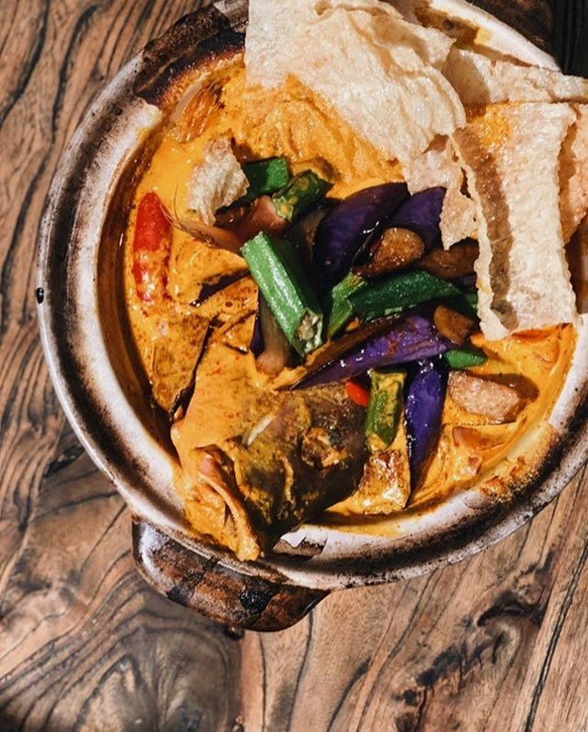 very hungry now and wouldn't mind piping hot curry for lunch!