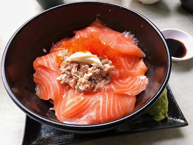 Salmon Sashimi Don ($15 nett) 🍣.