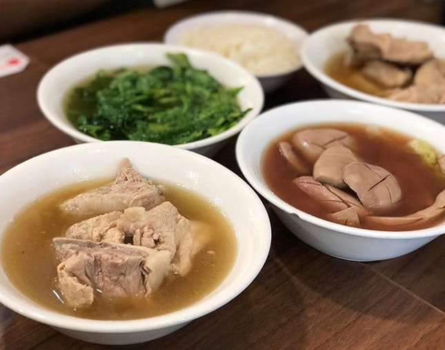Popularity bak kut teh ($7.80) ⭐️ 4/5 ⭐️ 🍴With the newly introduced #burpplebeyond, we got our #bakkutteh at 1-1, a great steal!