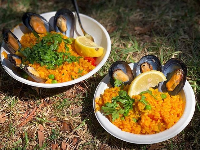 Paella (S$8, L$12) ⭐️ 4.5/5 ⭐️ 🍴You know a #paella is good when it sells out within 20mins of a batch being made!