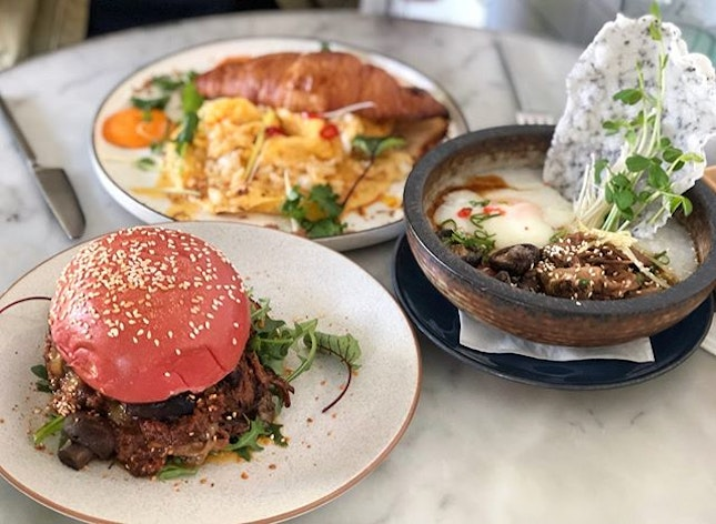 Duck congee ($19.50) Chilli crab egg croissant ($19.50) Pulled beef burger ($16.50) Overall ⭐️ 4.5/5 ⭐️ 🍴Back at one of my favourite cafes for the delicious and value-for-money food.