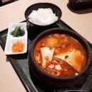 <<吃豆腐>> japanese place but korean food 😞.