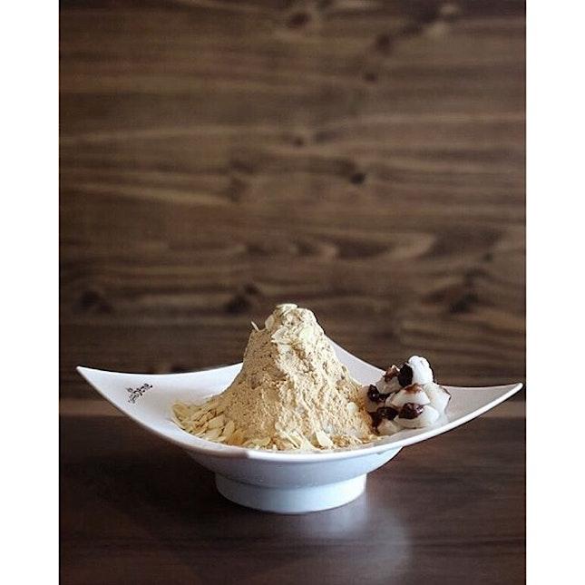 Misugaru Snowflake $16.90 from Caffe Bene, a Korean inspired flavour.