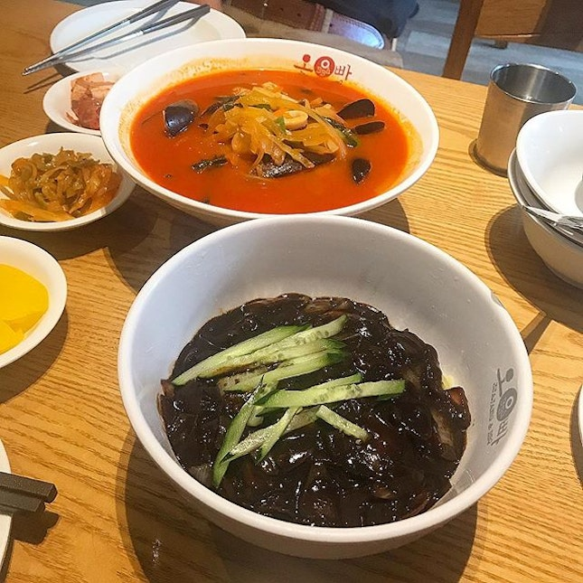 As authentic as Korean food can get in Singapore, helmed and runs by Koreans, the  Jajangmyeon & the Jjampong served here reminded us of what we had in Seoul.