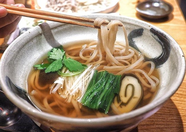 We had a very high expectation from this Michelin-starred soba restaurant, especially after queueing for more than an hour in the quiet, dark alley in Shinjuku.