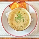 #Cappuccino of #champignon with #truffle #oil and #toasted #brioche #food #foodporn #soups #soup #soyummy #setting #foodography #instagood #igsg