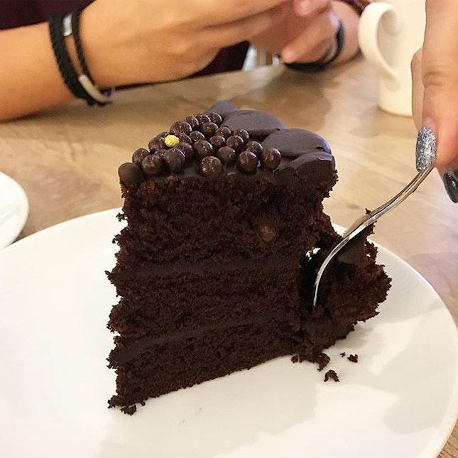 Chocolate Velvet Cake Cedele