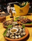 Malam jumaat  #takepicha #dinewithannna #livetoeat #jatujak #aradamansara #bkkstreetfood #food #foodie #foodpic #foodphotography #foodstagram #foodgasm #foodporn #foodspotting #burple #omnomnom #changbeer