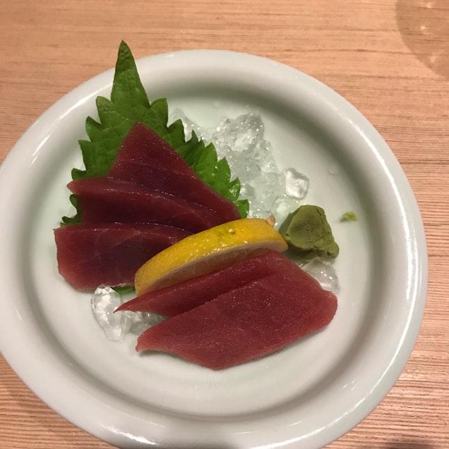 Akami sashimi