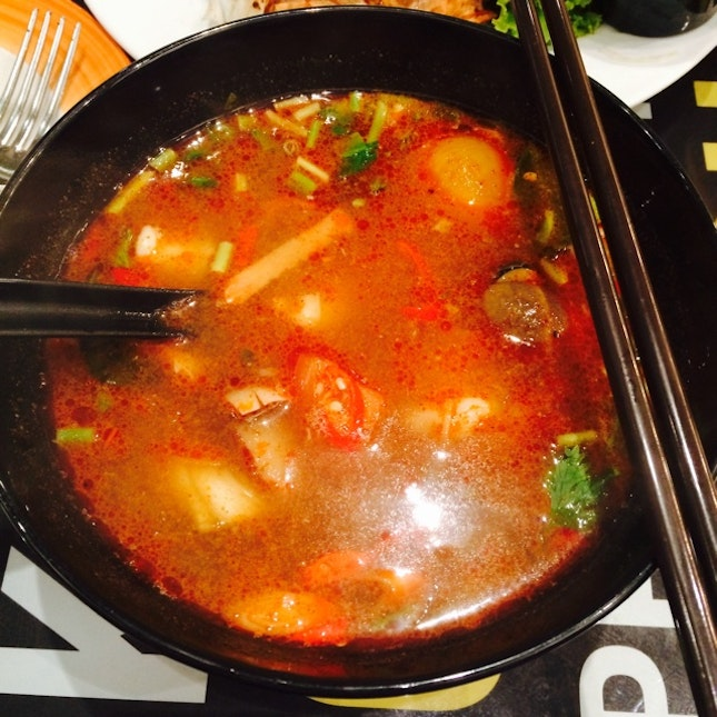 Red Tom Yam Seafood With Glass Noodle