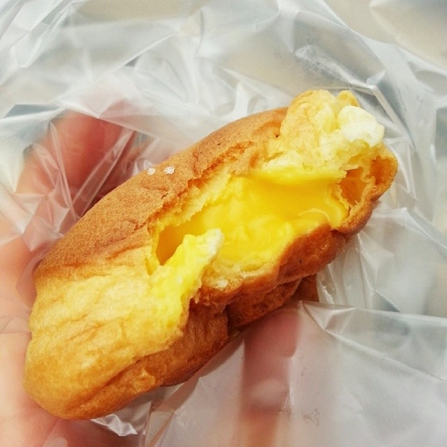 And for dessert, this really is THE indulgence for today: my all-time favorite Cream Puff!