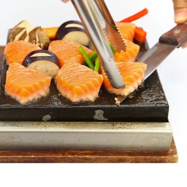 Check out those pinkish-orange thick slices of salmon fillet.