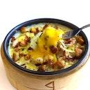 Mac & Cheese & Egg in a dim sum basket.